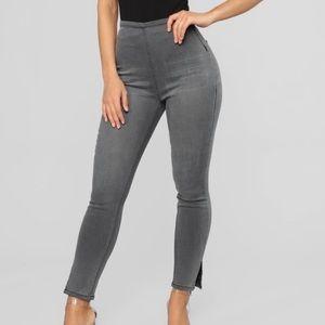 BRAND NEW Grey Fashion Nova Ankle Jeans